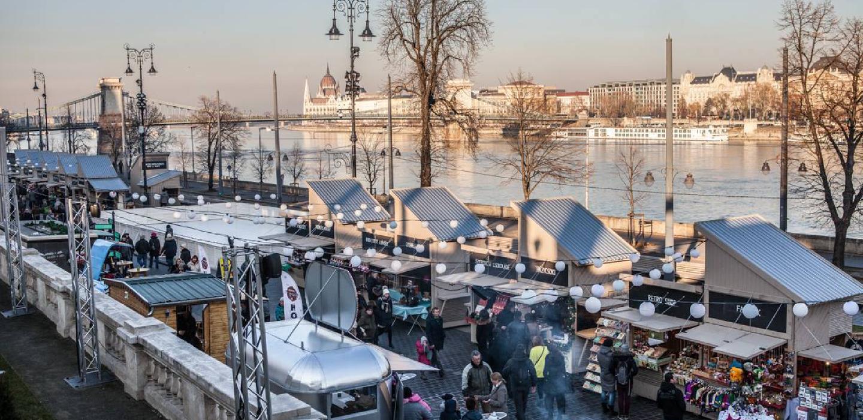 Christmas fair at Várkert Bazár