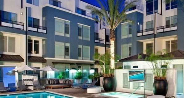 Exclusive secured condominium with swimmingpool.