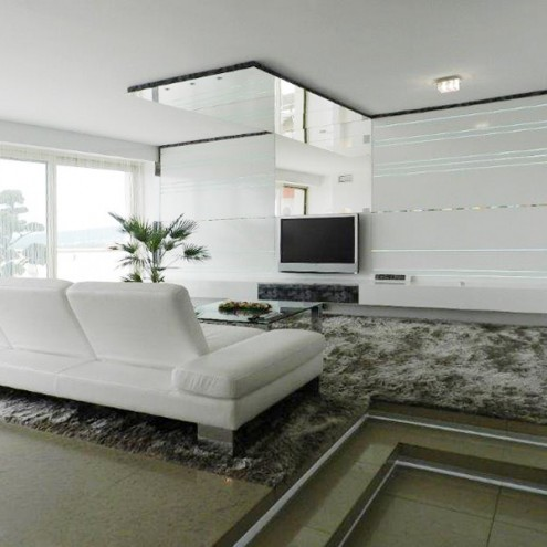 Property of the Season: Great Views, High-end Furnishings