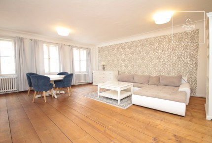 Charming Apartment, two rooms, right next to the gardens of Prague Castle
